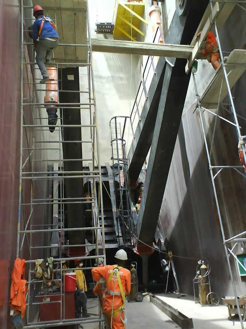 Equipment installation Palomino – Constructora Norberto Odebrecht