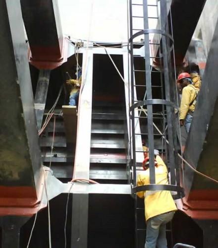 Instalación de equipos en Palomino – Constructora Norberto Odebrecht