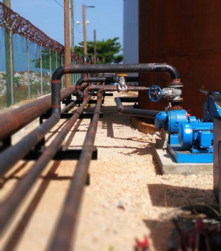 Instalación de tuberías para la Terminal de Almacenamiento AC30 – Grupo Titanio
